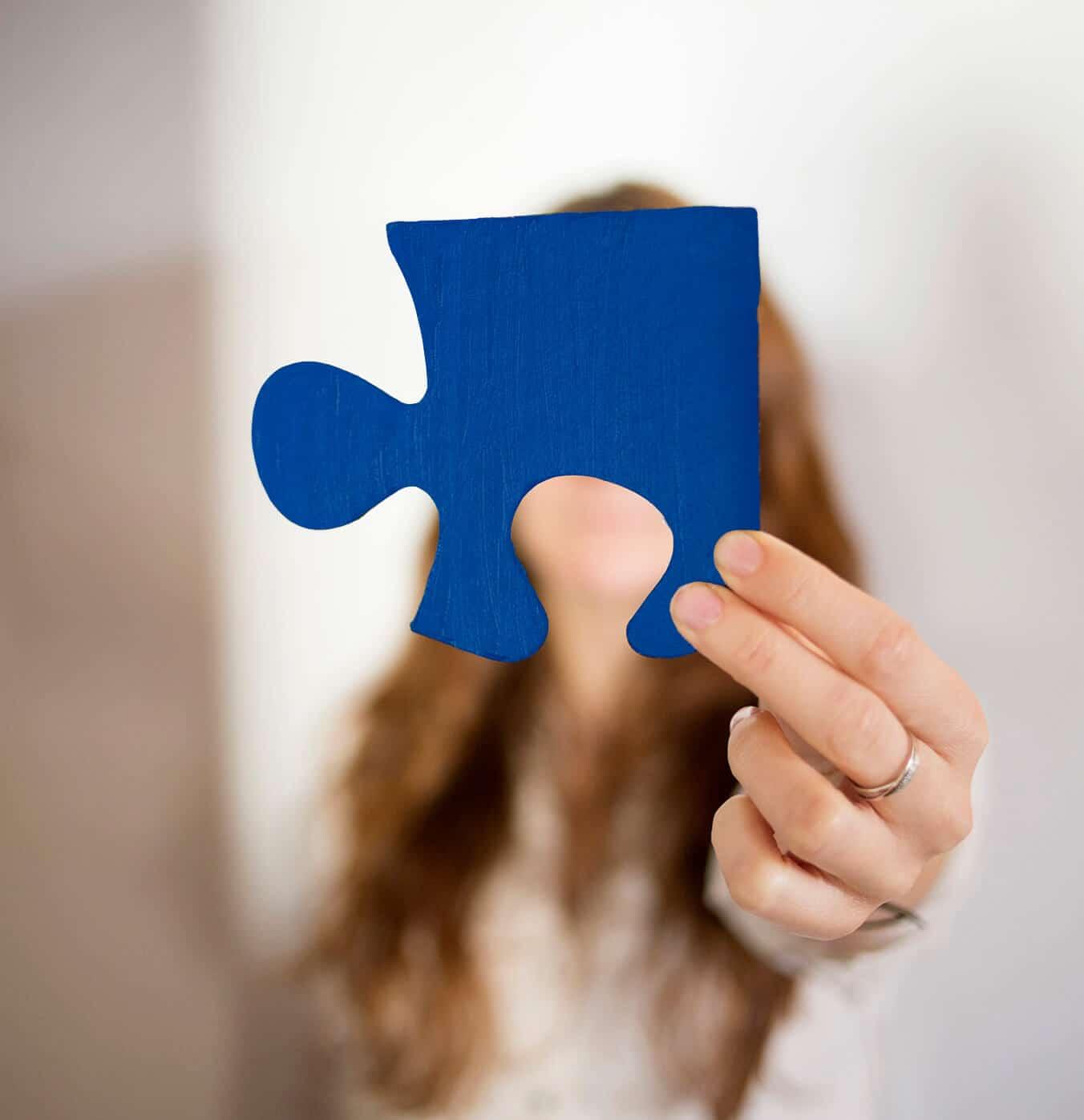 Agueda Felez puzzle azul
